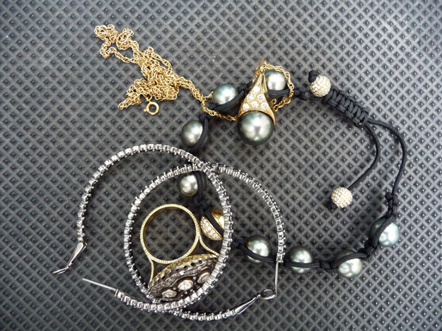 Beladora-Rocker-Pearls