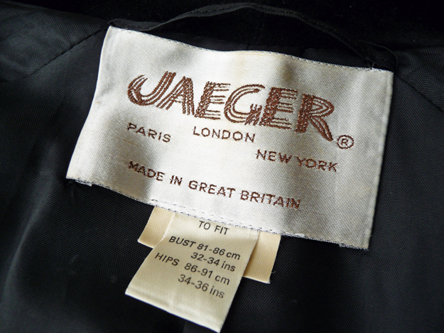 Vintage-Jaeger-Velvet-Coat-Label
