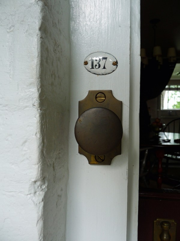 Doorknob-and-Number