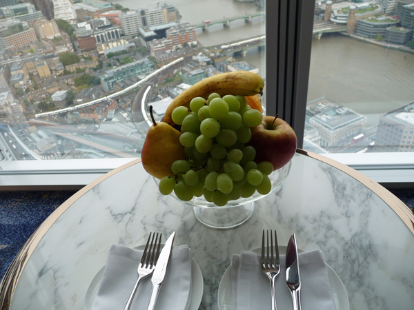 Fruit-Bowl-At-The-Shangri-La-London
