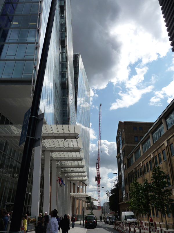 Street-View-of-the-Shangri-La-at-the-Shard