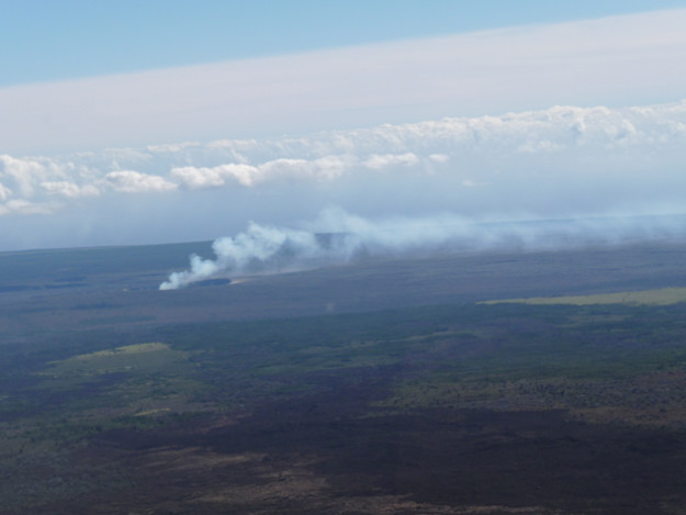 Kilauea-in-the-distance-from-the-helicopter