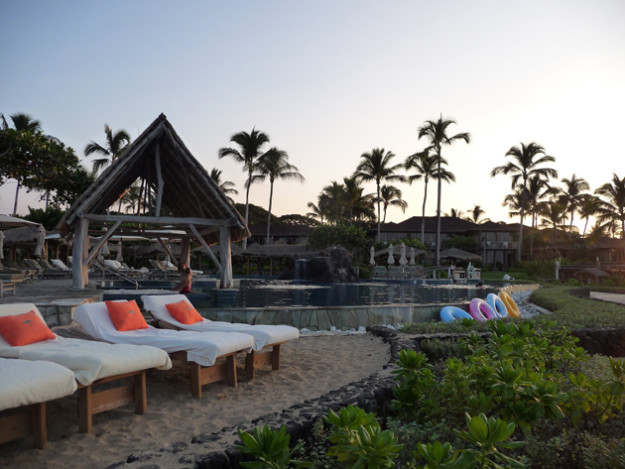 The-Children's-Pool-at-the-Four-Seasons-Hualali