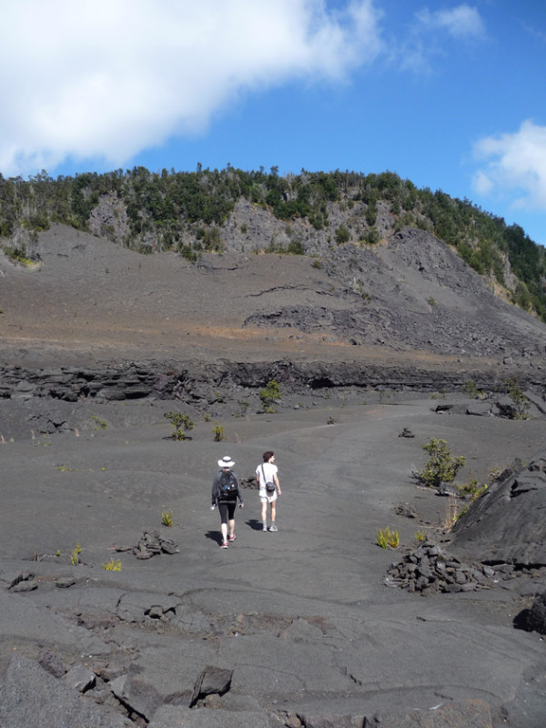 The-Crater-With-Hikers
