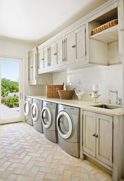 Country house laundry room