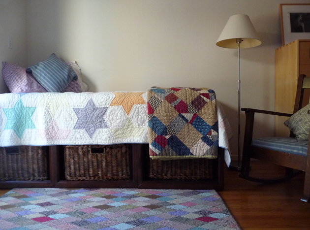 Studio-Daybed-with-Quilt
