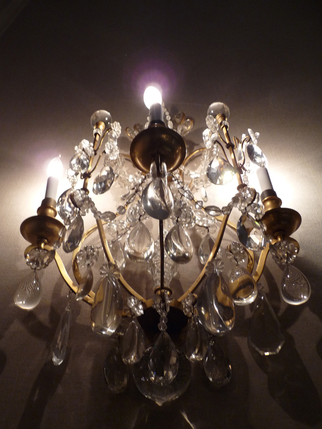 Crystal-Sconce-at-Filoli