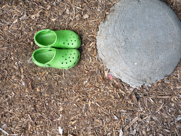 Side-Entry-Green-Crocs