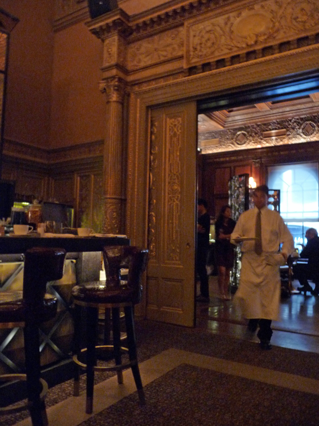 breakfast-at-the-new-york-palace