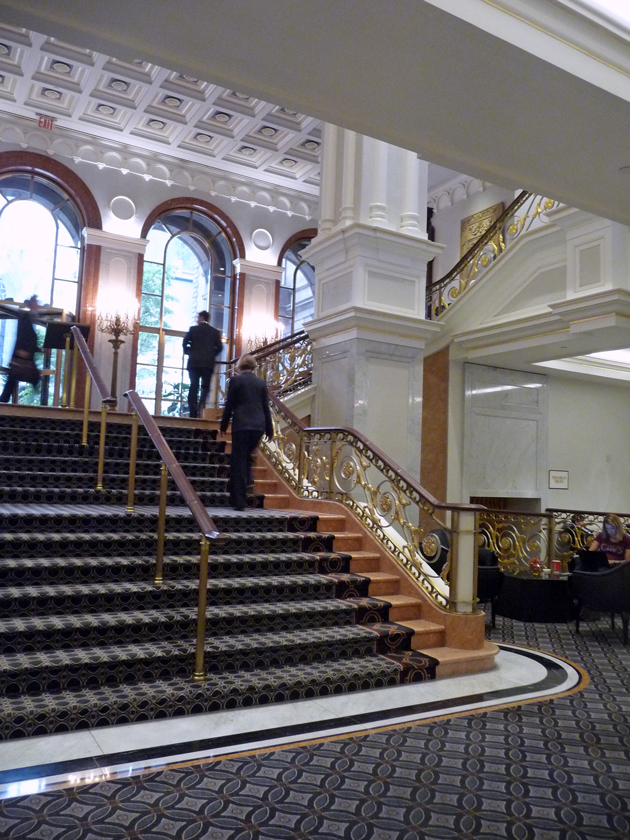 staircase-to-mezzanine-at-new-york-palace