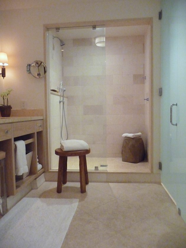 bathroom-at-auberge-du-soleil-private-garden-room